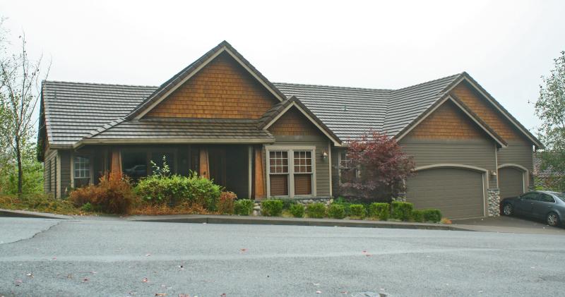 The Hayrick Butte Peak Home Design Oregon - Craftsman house plans with 3 car garage
